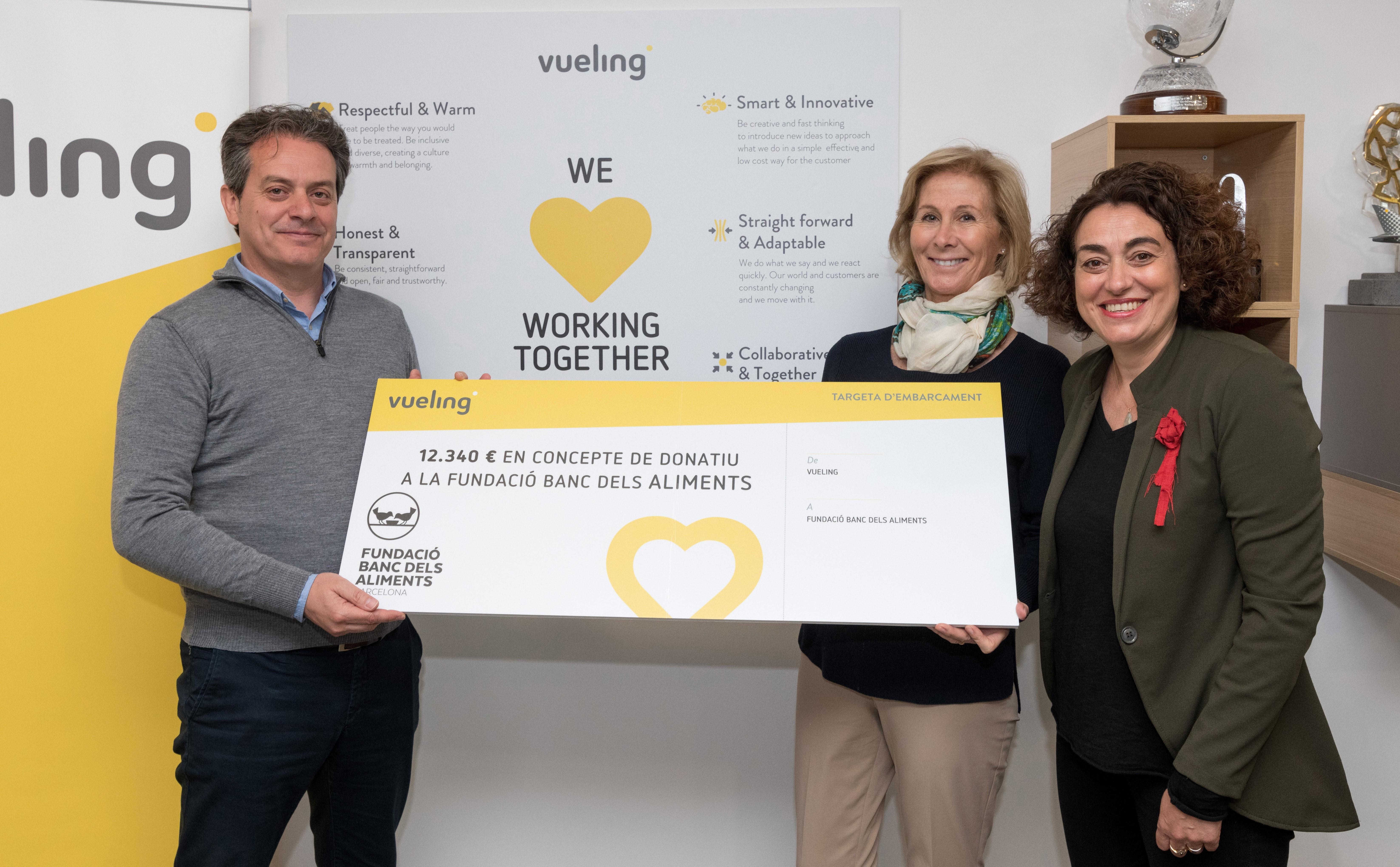 Vueling dona 12000€ al Banc dels Aliments