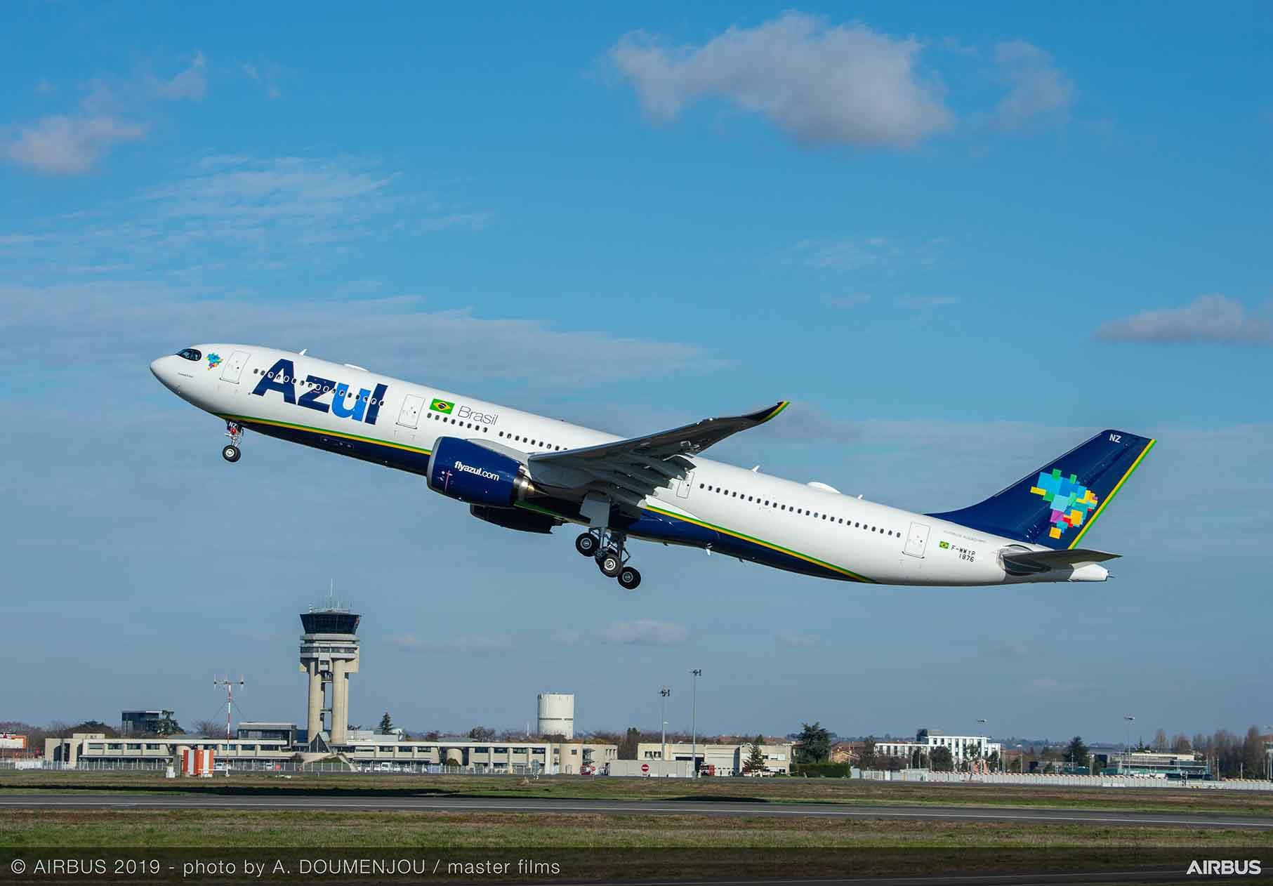 Azul recibe su primer A330-900